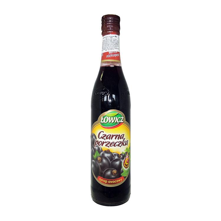 Svart vinbärssirap Ingredienser: Fruktos sirap, vatten, svartvinbärssaft från koncentrat 2,9%, blandat fruktjuice koncentrat, koncentrat av svart morot, pigment-antocyaniner och karamell färg, surhets