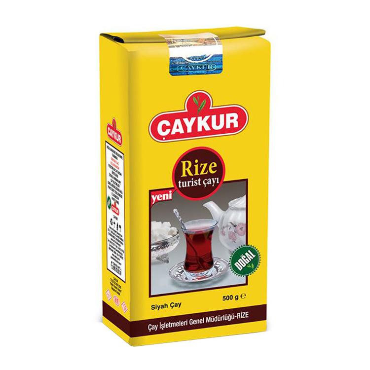Turist te Rize Rize Turist-te är det mest konsumerade Çaykur-teet. Rize Turist Cay har varit en del av varje turkisk familj i årtionden och har varit det mest kända och mest populära av alla tetyper g