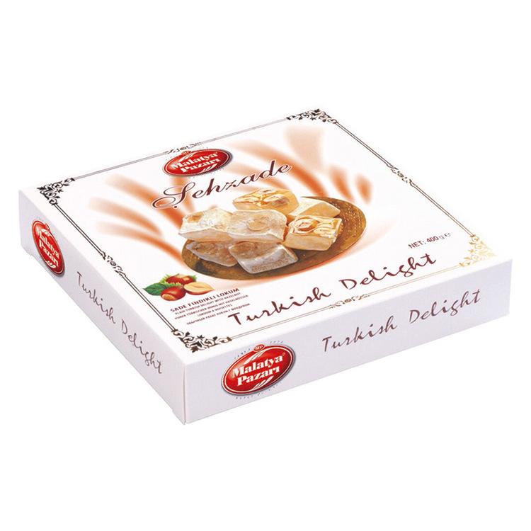 Turkisk konfekt med hasselnöter. En stor delikatess från Mellanöstern som passar utmärkt som tilltugg till te eller kaffe. Produkt från Turkiet.