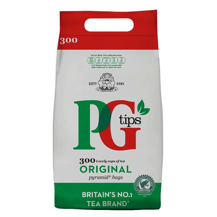När det gäller te är PG Tips nummer ett i Storbritannien. Häll bara varmt vatten över tepåsen i koppen och låt den brygga till önskad styrka. Tillsätt en sked socker och, om du vill, lite mjölk.