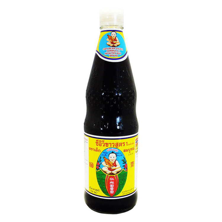 Healty Boy Sojasås - Ingredienser: vatten 25,4%, avfettade sojabönor 25%, vete 25%, salt 18%, socker 6,3%, smakförstarkare (monoatriumglutamat E621), dinatrium 5-inosinat E631, dinatrium 5-guanylat E6
