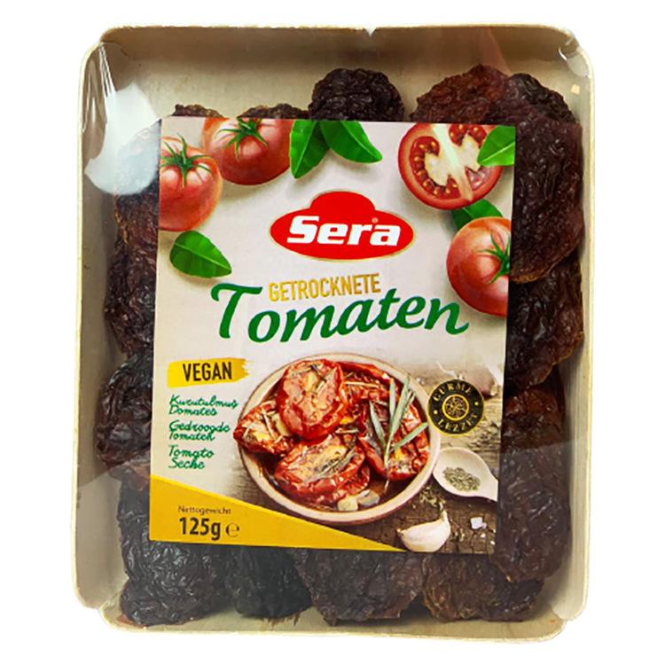 Soltorkad tomat 125g. Soltorkade tomater är mogna tomater som förlorar det mesta av sitt vatteninnehåll efter att ha tillbringat större delen av sin torktid i solen. Dessa tomater förbehandlas vanligt