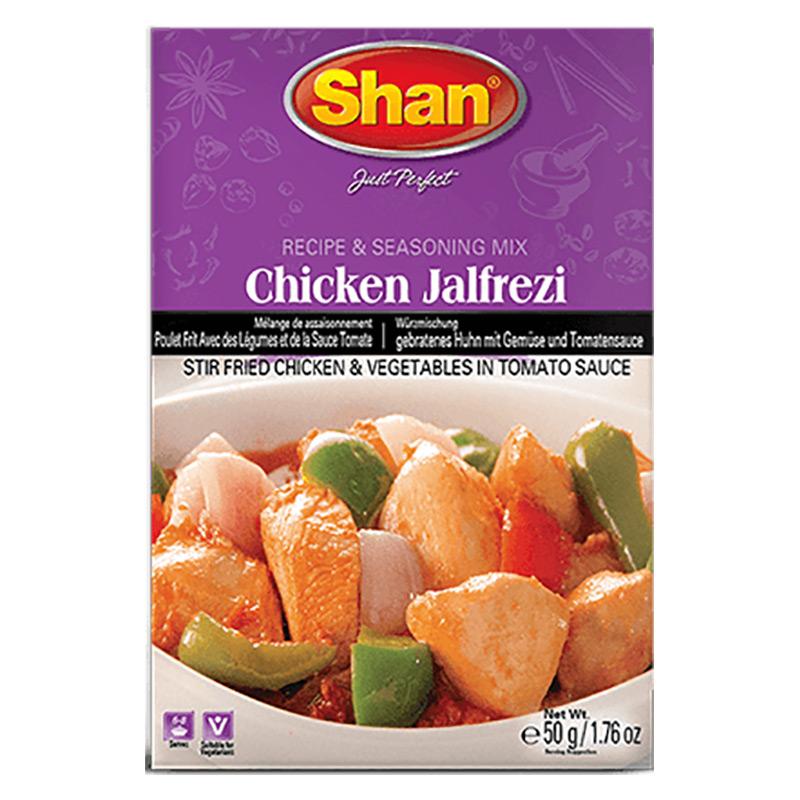Wokad kyckling och grönsaker i tomatsås. Shan Chicken Jalfrezi Mix ger dig den autentiska traditionella smaken av indisk/kinesisk kyckling- och grönsakscurry.