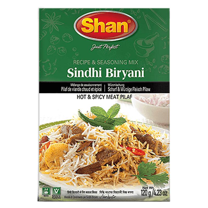 Sindhi Biryani är en het och kryddig köttpilaff. Shan Sindhi Biryani Mix har en klassisk blandning av traditionella kryddor som hjälper dig att göra läcker och kryddig biryani hemma.