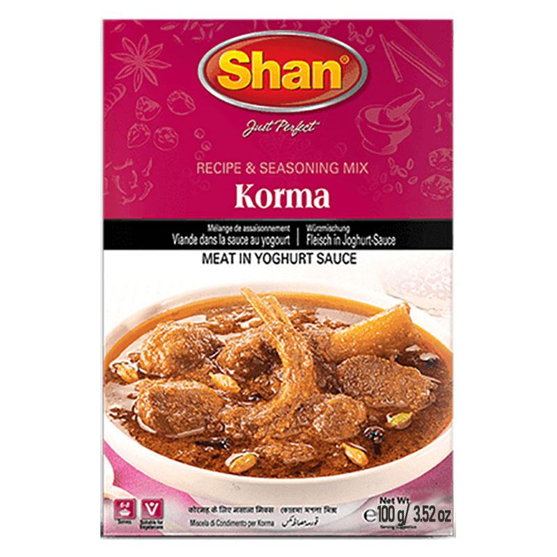 Korma är en mild indisk gryträtt, vanligen baserad på lamm eller kyckling i en yoghurtsås. Shan Korma mixen hjälper dig att återskapa den autentiska traditionella smaken av gudomliga Korma, som är ett