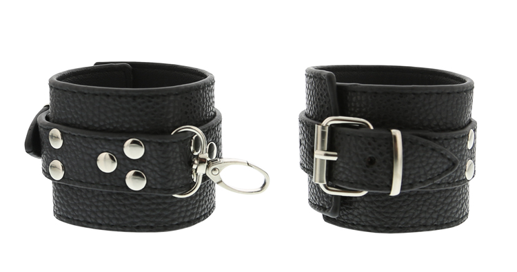 Blaze, Collar and cuff set