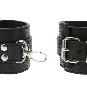 Blaze, Collar and cuff set