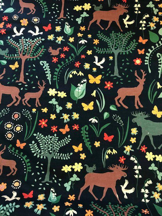 Skogen Svart