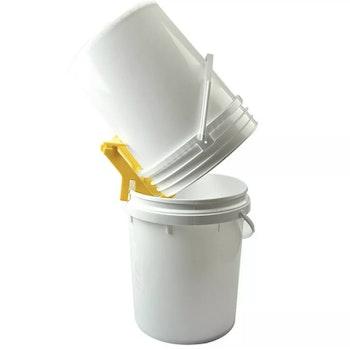 Bøtteholder i plast