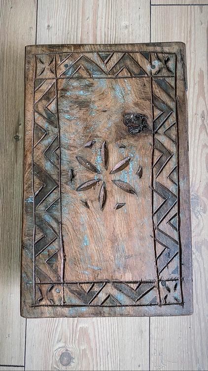 Altare i trä för kristaller & annat magiskt (s)