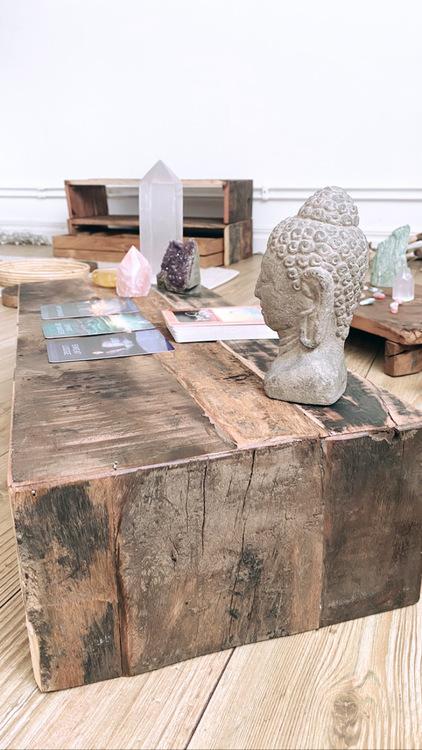 Altare i trä för kristaller & annat magiskt (lång)