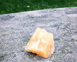 Orange kalcit, rå