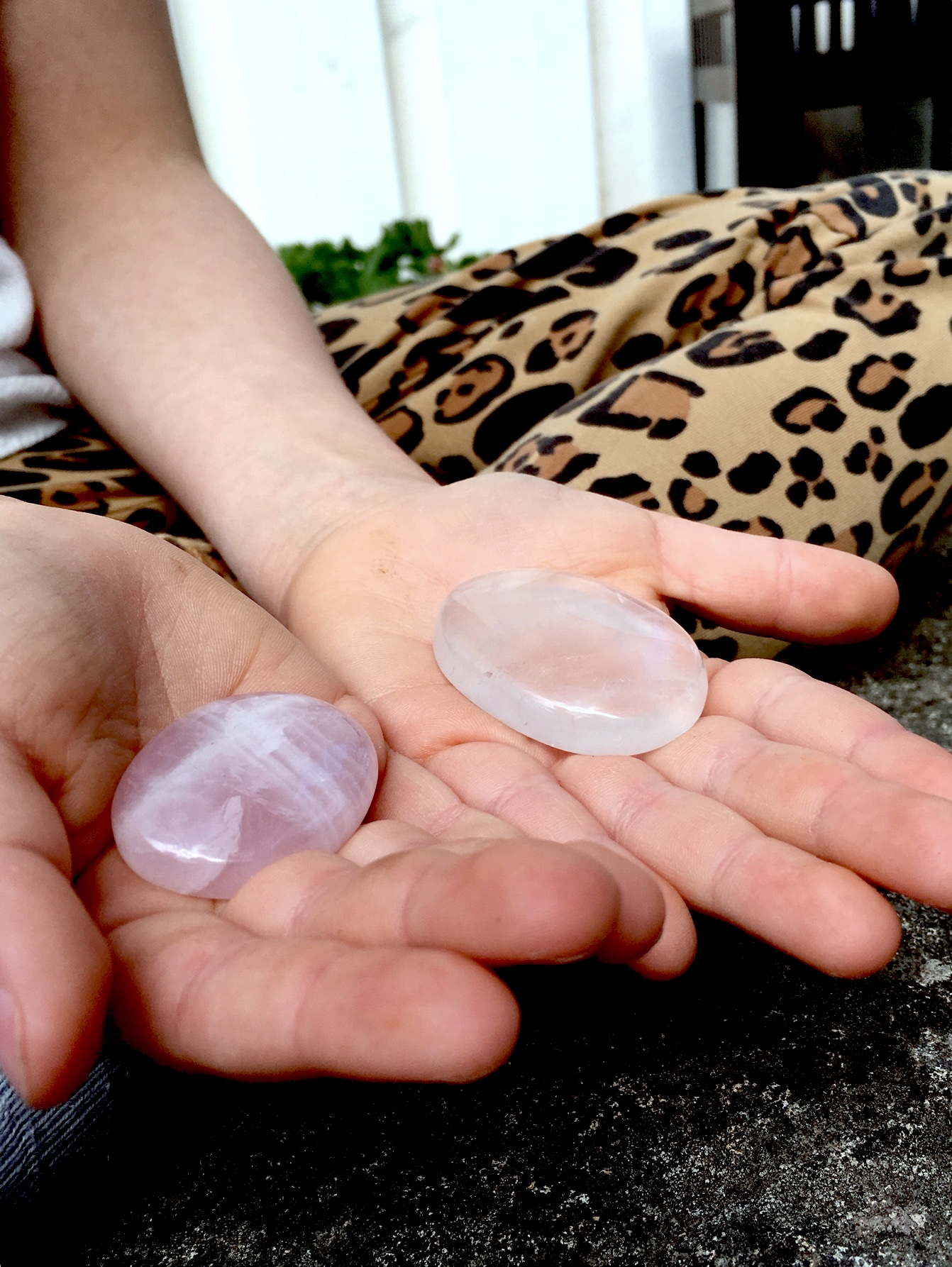 No worry stone - Bergskristall, andlig kraft