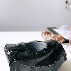 Svart Obsidian, lykta