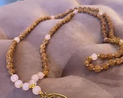 Sri Yantra halsband med Rosenkvarts & Rudraksha