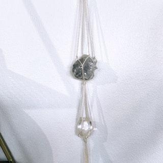 Makramé-kristallhänge