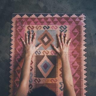 Yogamatta, Kelim Mönster i rosa toner