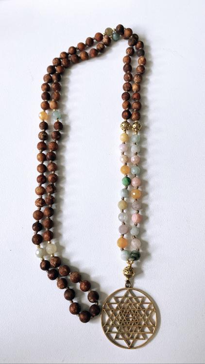 Sri Yantra med Bodhi Seed och Super Seven