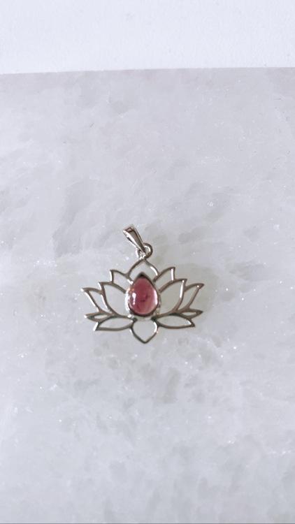 Lotusblomma med Rosa Turmalin, silver (925)