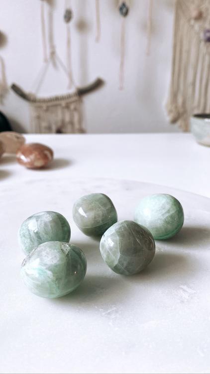 Grön månsten, cuddle stone