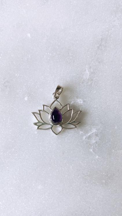 Lotus ametist, hänge i silver