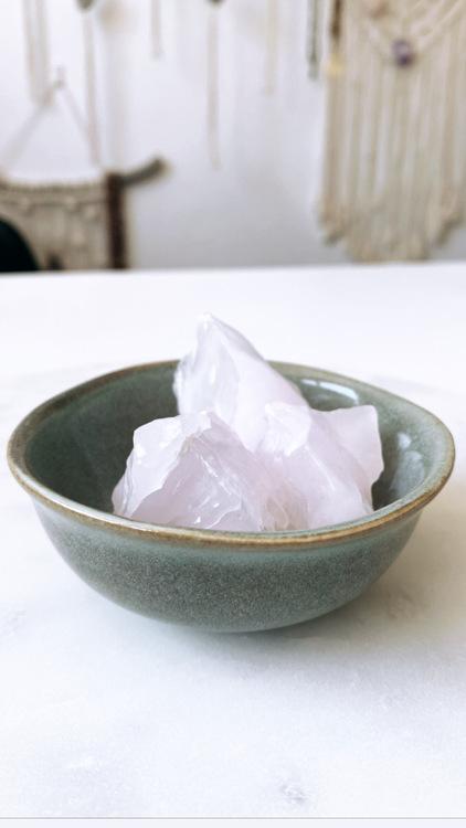 Skål för kristaller och andra magiska ting