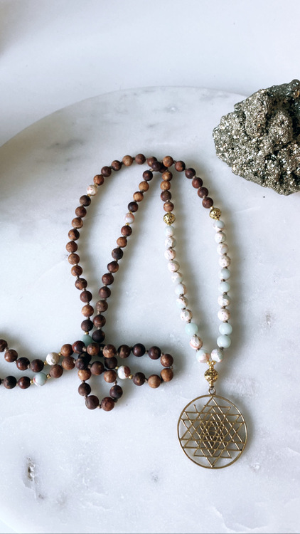 Sri Yantra med Bodhi Seed och Blå kalcit