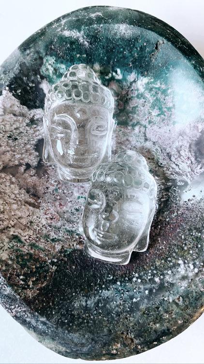 Buddha i bergkristall