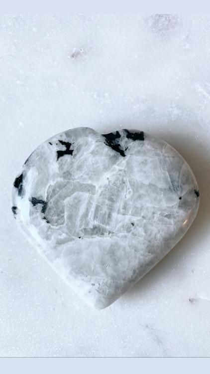 Regnbågsmånsten - hjärta (large)