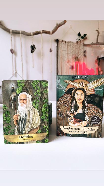 Änglar och förfäder, orakelkort