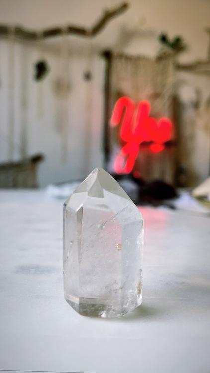 Bergkristall, polerad spets (D)