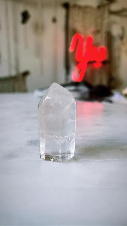 Bergkristall, polerad spets (F)