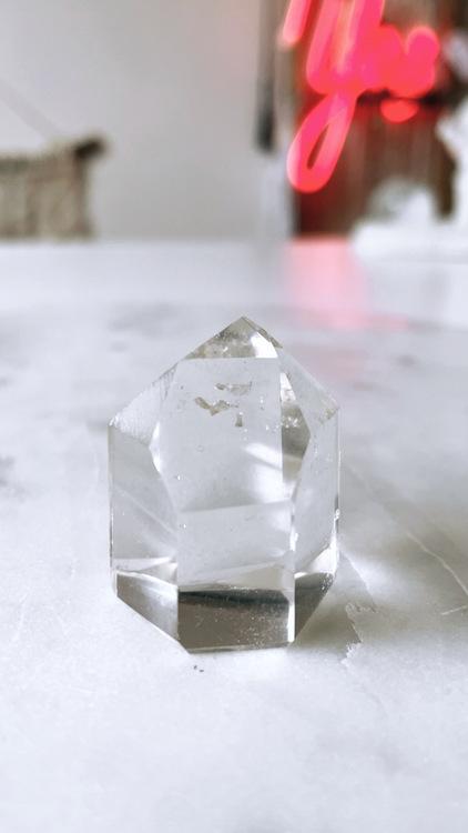 Bergkristall, polerad spets (B)
