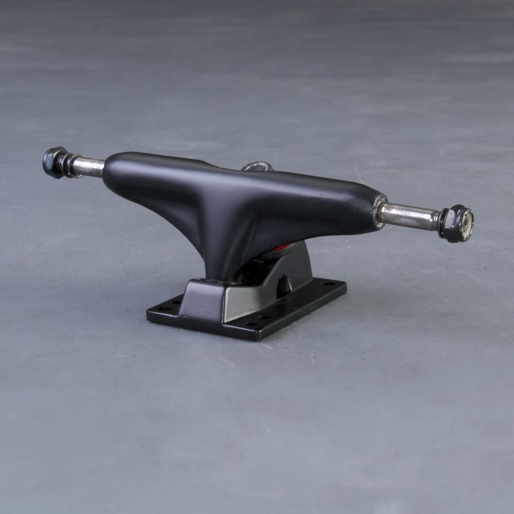 NoBrand V 5.25 skateboard truckar