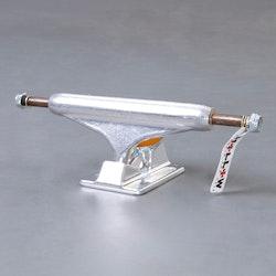 Independent Hollow 144mm skateboard truckar