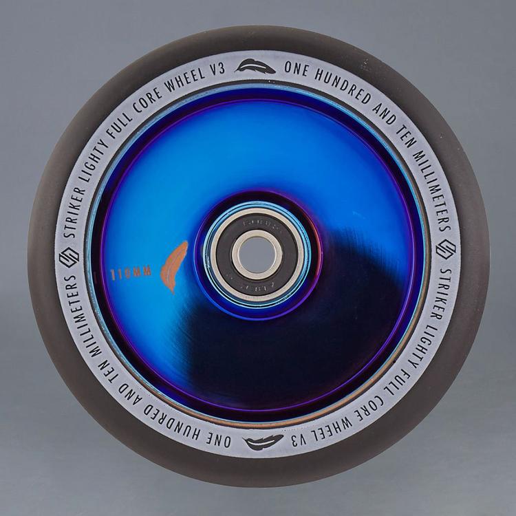 Striker Lighty Full Core V3 Blue Chrome 110mm hjul 2-Pack