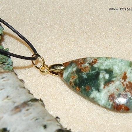 Magnafras sten i halsband
