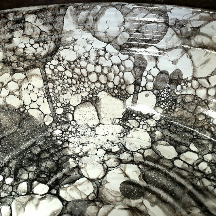 Stor skål med bubbelmönster