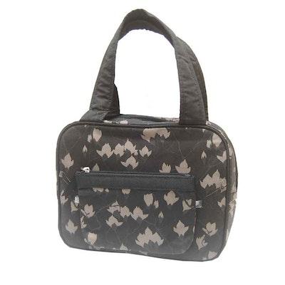 Necessär & sminkväska svart grå blommig Karen
