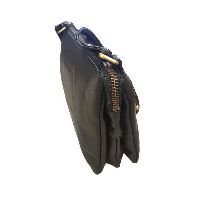 Axelväska skinn svart The Monte 59021 från sidan