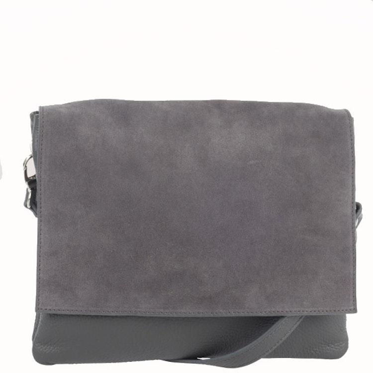 axelväska grå mocka skinn väska ulrika ulrika design ulrikas