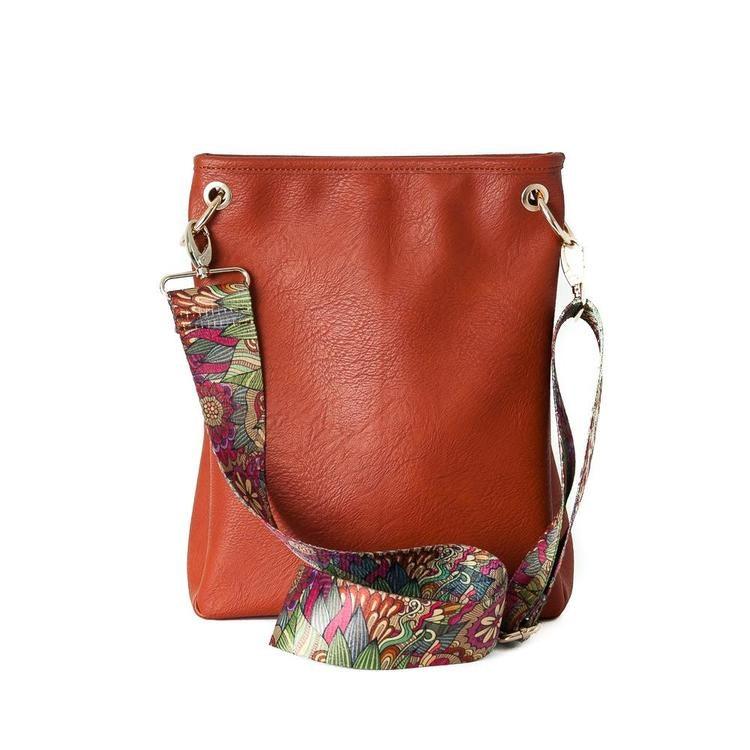 Crossbag i PU-läder/konstskinn från Rosenvinge mörk orange