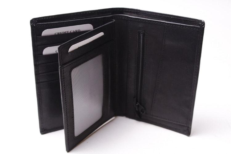 svart plånbok många kort fack