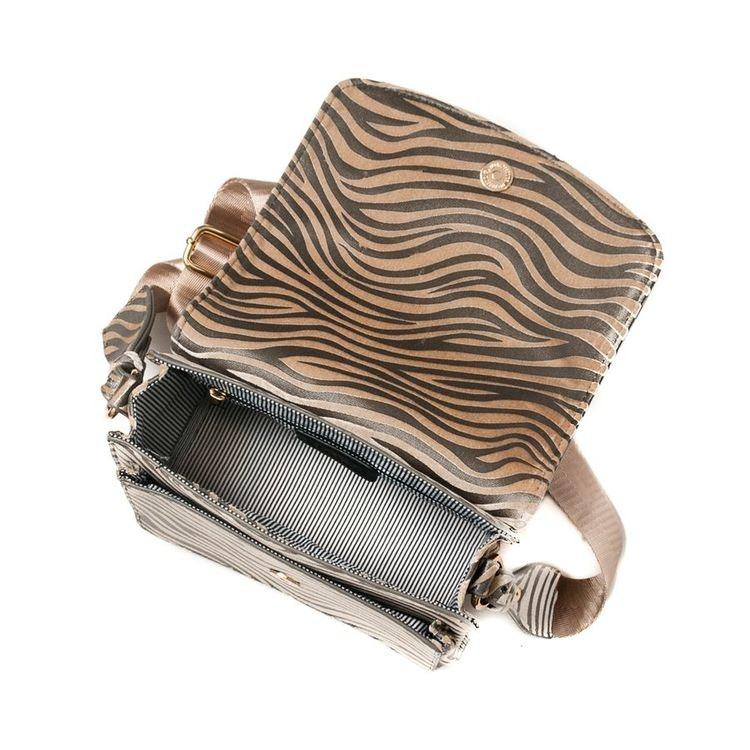 Axelväska svart zebramönster Crossover
