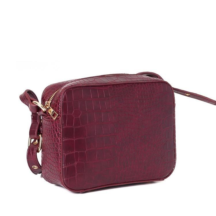 Crossover väska i färgen burgundy croco mönster