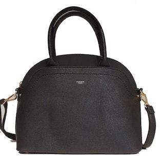 Handväska med axelrem svart halvmåne Ulrika Design