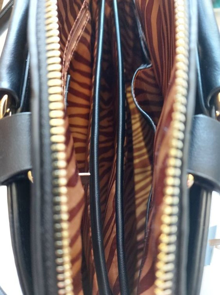axelremsväska svart ulrika väskor