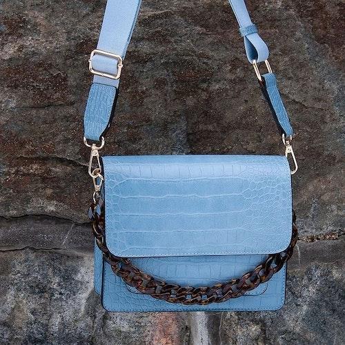 Axelremsväska Gaby ljusblå croco 697146 Rosenvinge
