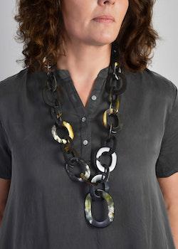 Horn Necklace Dark
