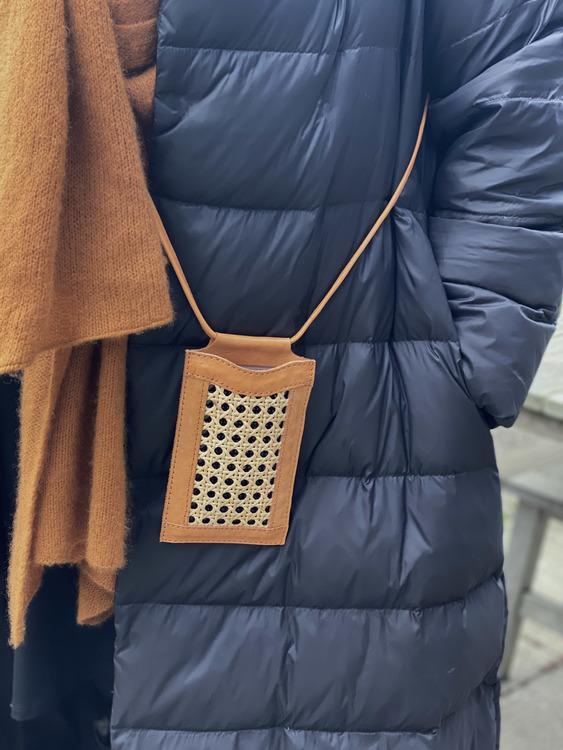 Ini Phone bag Tan